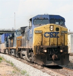 CSX 7785 south on Q127